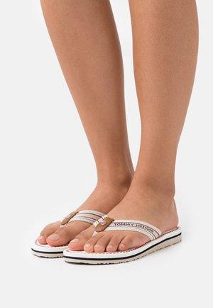 ARTISANAL FLAT BEACH - T-bar sandals - ecru