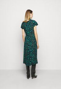 Diane von Furstenberg - CECILIA MIDI - Vapaa-ajan mekko - emerald - 2