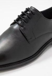 Jacamo - LACE UP DERBY SHOE - Business sko - black - 5