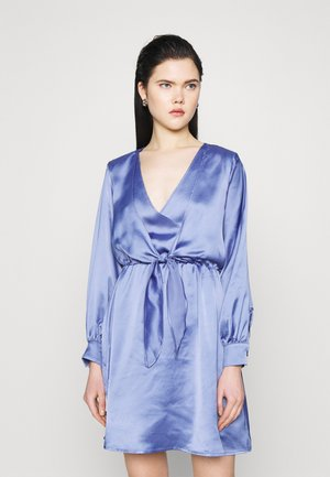 FRONT KNOT FLOWY MINI DRESS - Robe d'été - blue