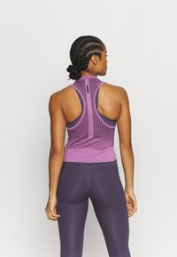 Under Armour - RUSH SEAMLESS CROP - Top - polaris purple - 2