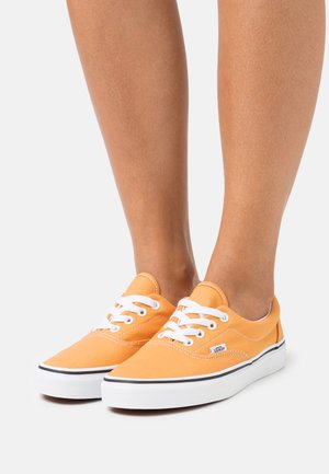 ERA - Trainers - golden nugget/true white