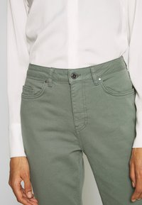 Aaiko - CEYDA - Straight leg jeans - steel green - 3