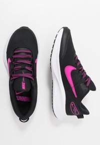 Nike Performance - RUNALLDAY 2 - Juoksukenkä/neutraalit - black/pure platinum/fire pink - 1