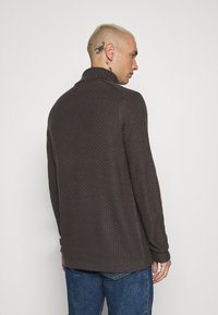 Only & Sons - ONSLOCCER - Stickad tröja - grey pinstripe - 2