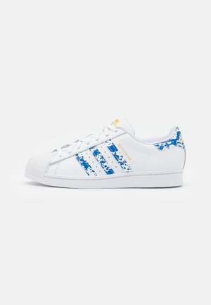 SUPERSTAR UNISEX - Trainers - footwear white/blue/gold metallic