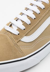 Vans - OLD SKOOL - Trainers - cornstalk/true white - 3