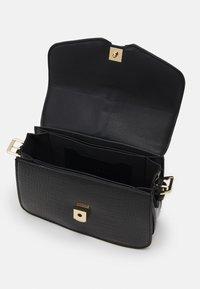 Topshop - CASEY CHAIN XBODY - Across body bag - black - 2