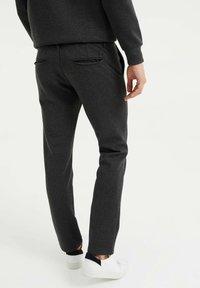 WE Fashion - Chinos - dark grey - 2