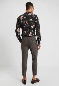 Twisted Tailor - MOONLIGHT TROUSERS - Pantaloni eleganti - brown - 2