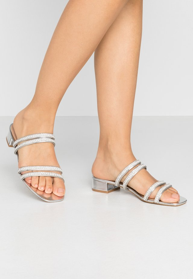 Mules - silver