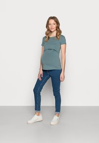 Anna Field MAMA - NURSING Basic T-shirt - Camiseta básica - goblinblue - 1