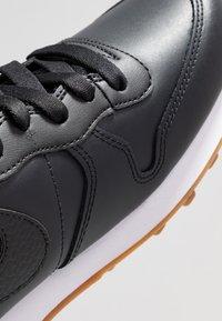 Nike Sportswear - INTERNATIONALIST PRM - Trainers - off noir/white/medium brown - 2