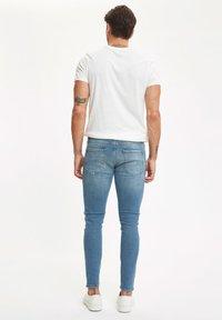 DeFacto - Slim fit jeans - green - 2