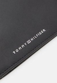 Tommy Hilfiger - COIN - Peněženka - black - 4
