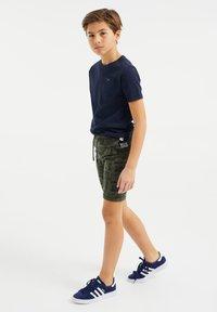 WE Fashion - Shorts - dark green - 0