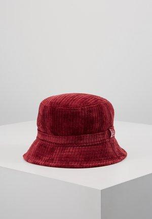 BUCKET HAT - Hat - cardinal