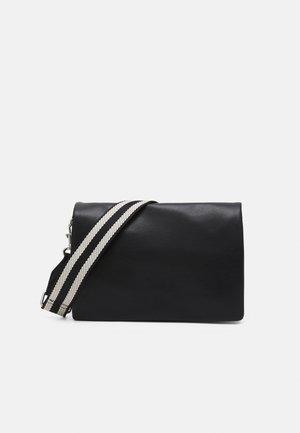 BAGS - Across body bag - black