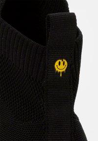 YOURTURN - Sneakers alte - black - 5