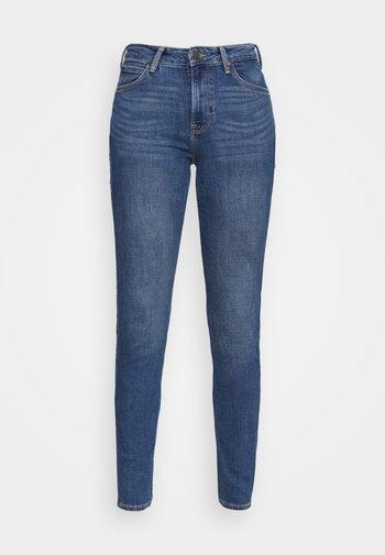 SCARLETT HIGH - Jeansy Skinny Fit - mid worn martha