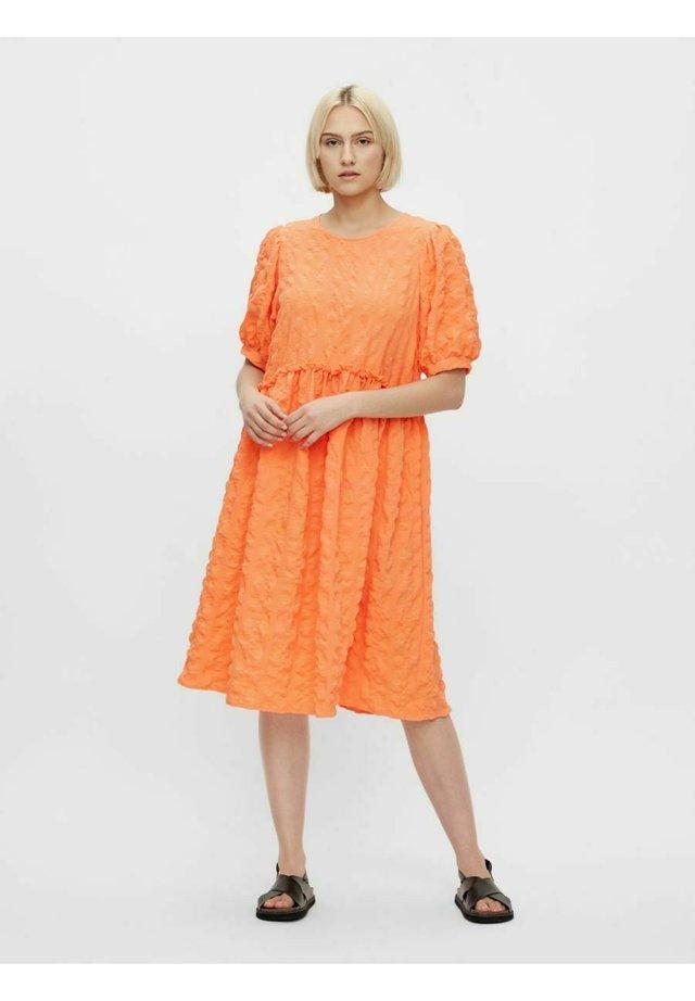 Sukienka letnia - nectarine