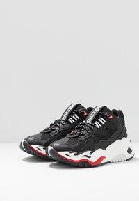 Just Cavalli - Sneakers basse - black - 2