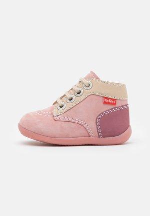 BONZIP - Volnočasové šněrovací boty - rose tricolore