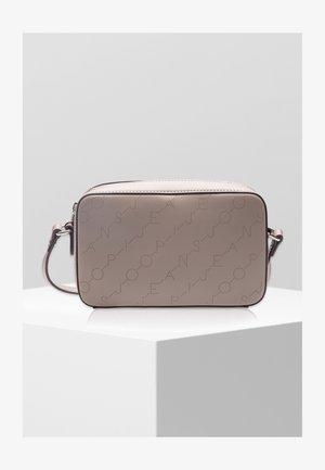 GRAFICO - Across body bag - taupe