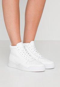 GARMENT PROJECT - Sneaker high - white - 0