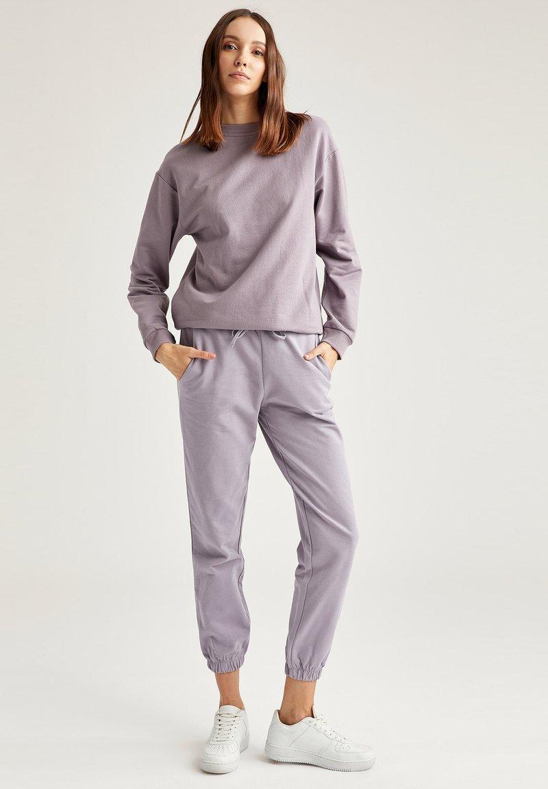 DeFacto - Sweatshirt - purple