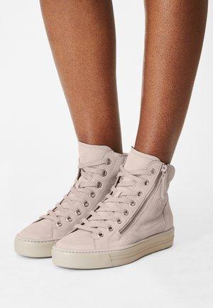 Sneakers hoog - pearl