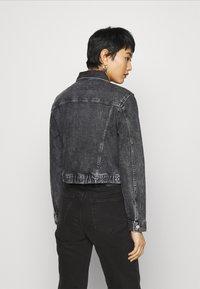 Calvin Klein Jeans - CROPPED JACKET - Denim jacket - denim grey - 2