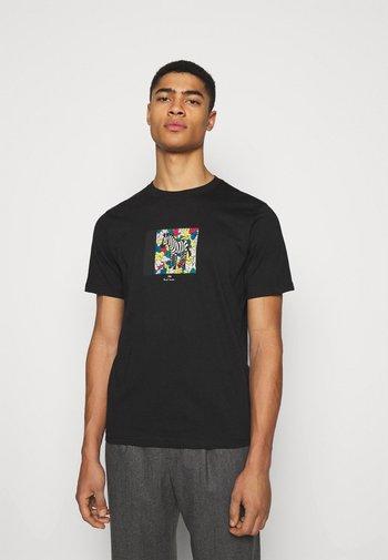MENS ZEBRA HANDS - Print T-shirt - black
