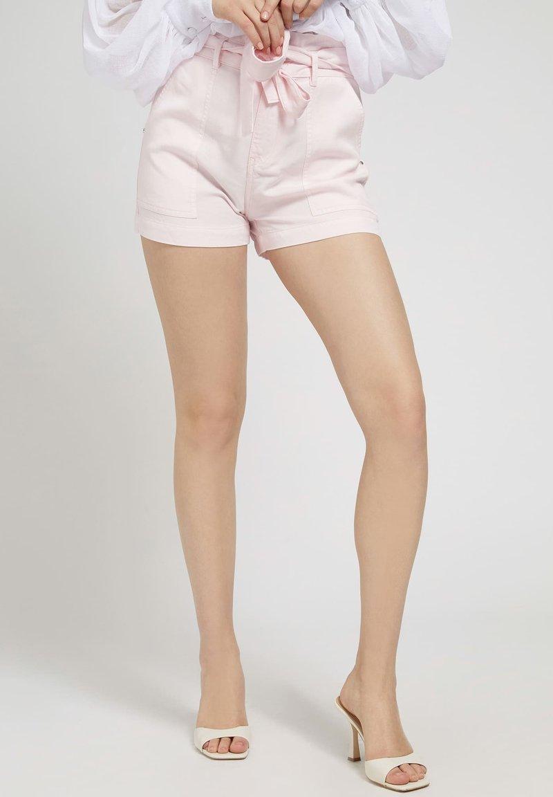 Guess - JANNA - Shorts - rose