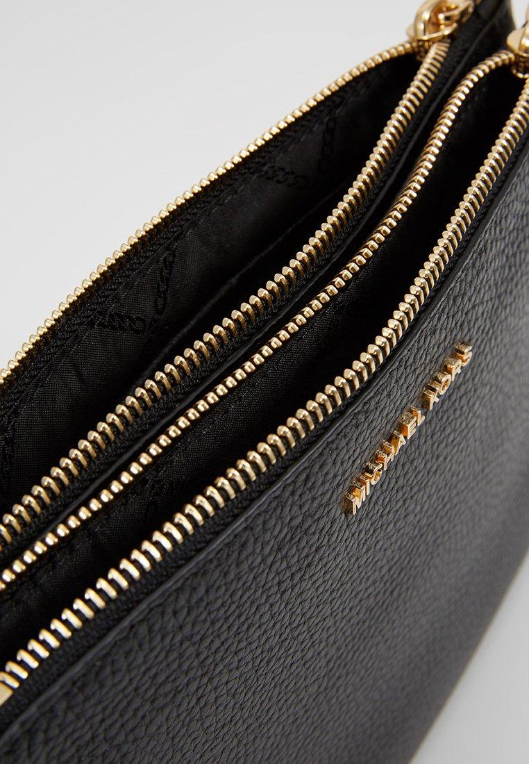 Black Bag | Michael Kors | Vesker | Miinto.no