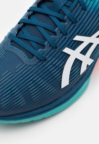 ASICS - SOLUTION SPEED FF - Multicourt tennis shoes - mako blue/white - 5
