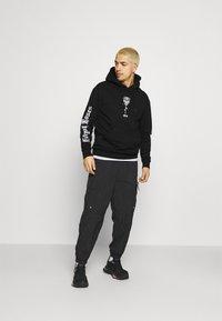 274 - SKULL ROSE HOODIE - Sweatshirts - black - 1