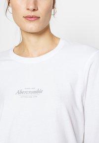 Abercrombie & Fitch - ITALIC LOGO TEE - Top sdlouhým rukávem - white - 5
