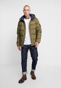 Calvin Klein Jeans - HOODED PUFFER - Down jacket - grape leaf - 1