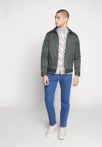 Wrangler - TEXAS - Straight leg jeans - best rocks - 1