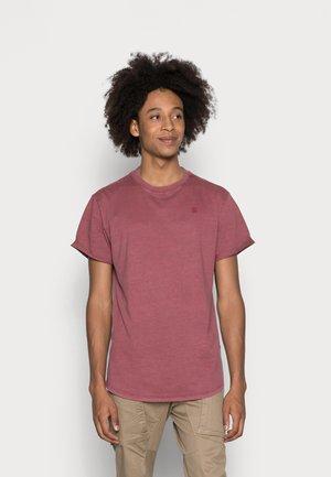 LASH  - Camiseta básica - chateaux red