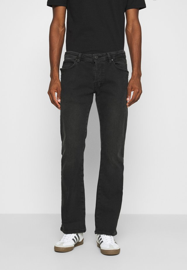 RODEN - Jeans Relaxed Fit - henor wash