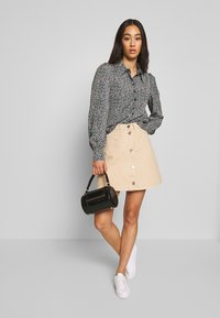 Monki - NALA BLOUSE - Camicia - black - 1