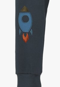 Fred's World by GREEN COTTON - SPACE PANTS - Træningsbukser - midnight - 2