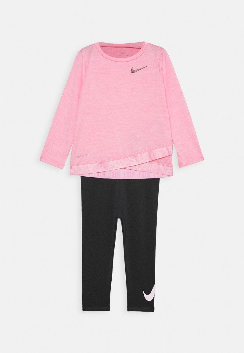 Nike Sportswear - CROSSOVER SET - Legíny - black