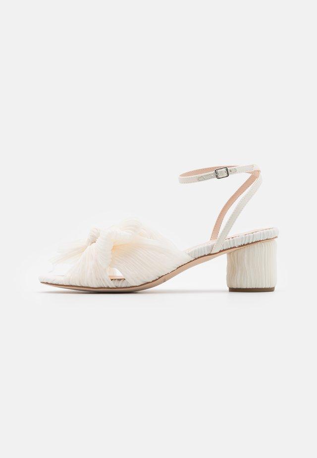 DAHLIA - Sandały - pearl