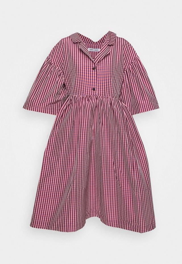 BALSAM DRESS - Košilové šaty - rosé tiles