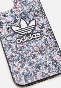 adidas Originals - IPHONE 12 PRO - Obal na telefon - black/hazy rose - 3