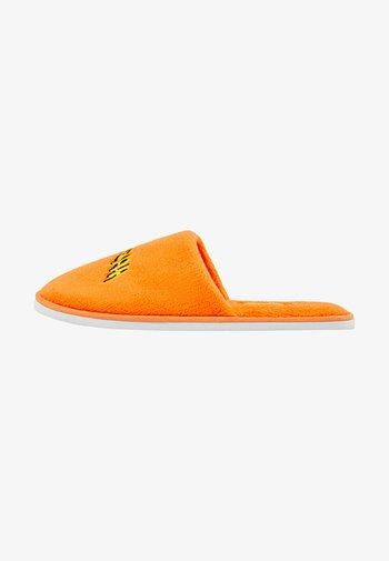 Tofflor & inneskor - orange