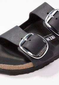 Birkenstock - ARIZONA BIG BUCKLE - Mules - black - 2